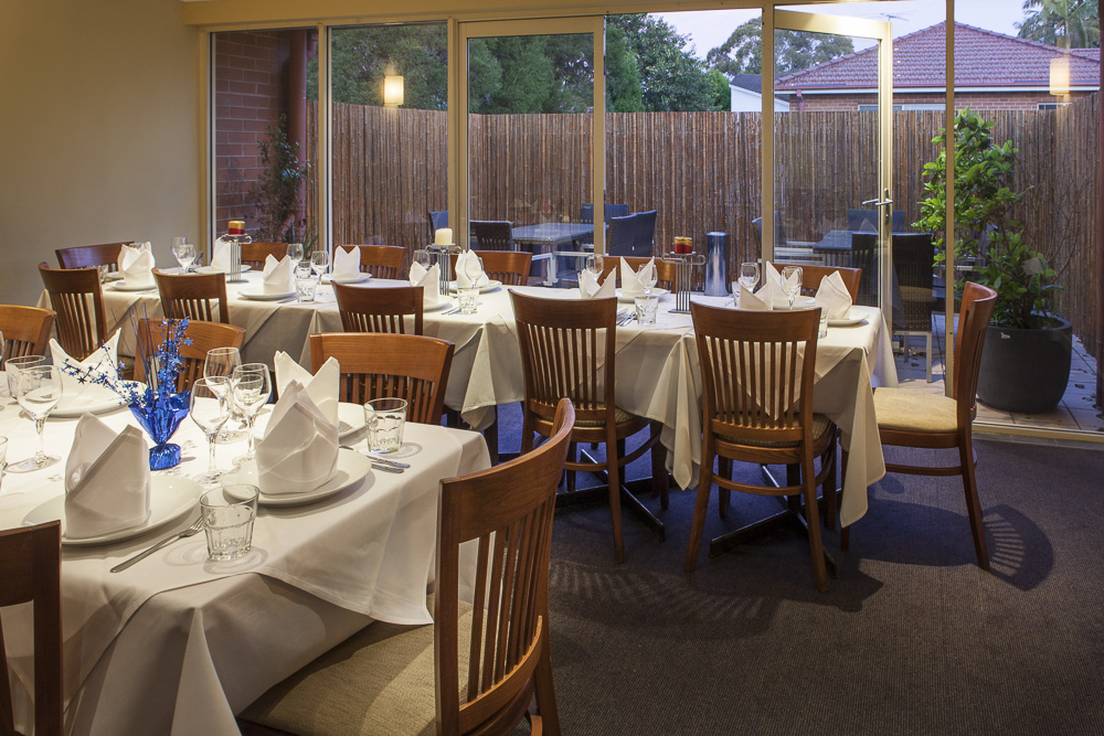 Function room with verandah seating